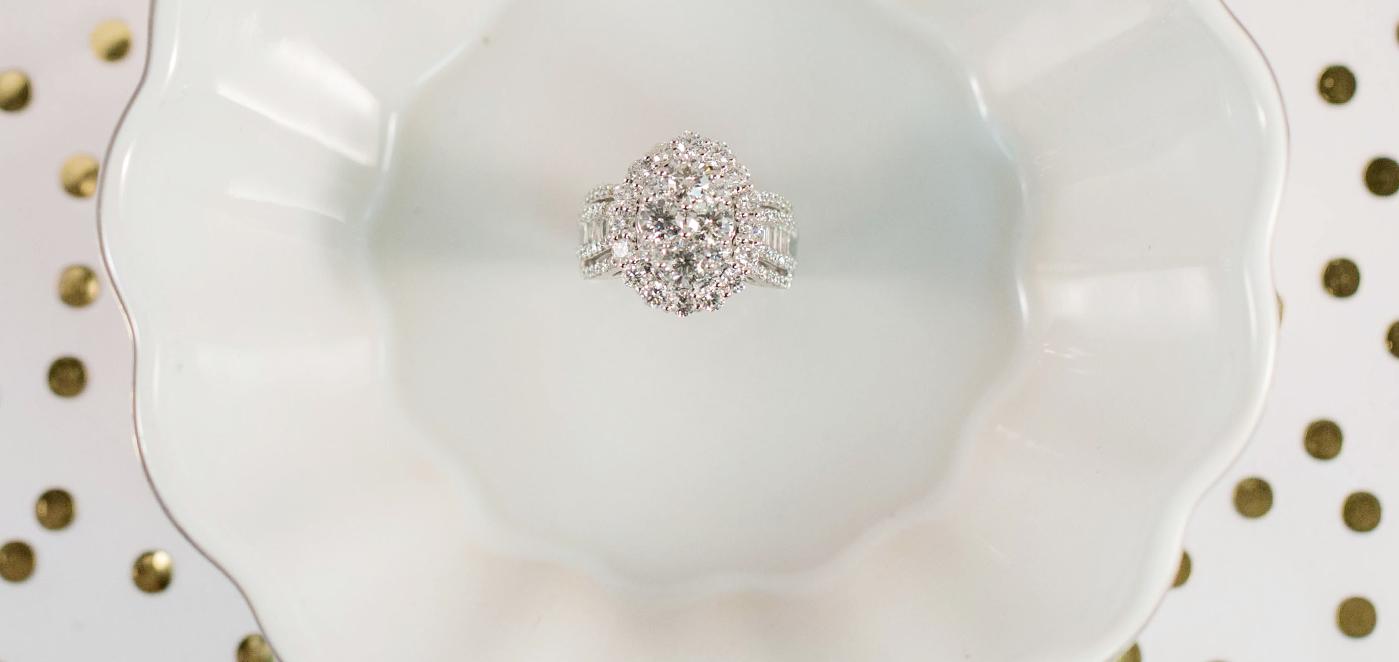 The 4 Cs of Diamonds: How to Buy a Diamond
